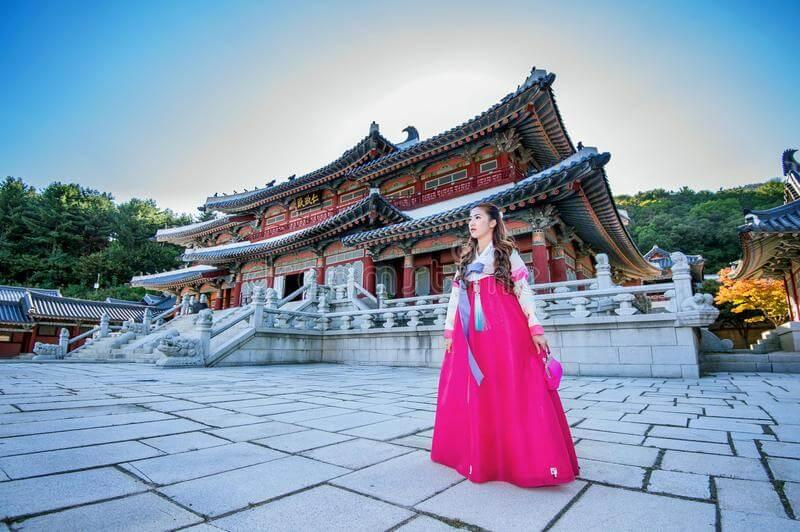 Hiện nay, thủ tục xin visa du lịch Hàn Quốc đã được nới lỏng với du khách Việt Nam