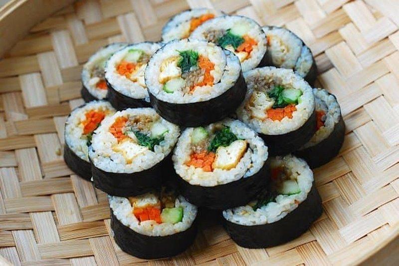 Gimbap - Cơm cuộn rong biển đặc trưng của Hàn Quốc