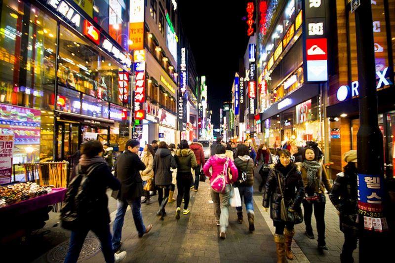 Khu Myeongdong - Trung tâm mua sắm tại Hàn Quốc