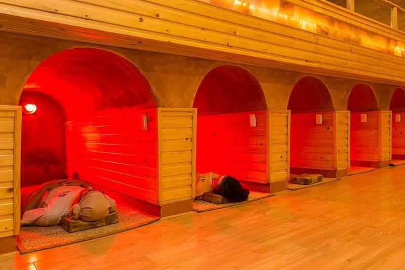 Có nhiều phòng tắm hơi Jimjilbang để bạn lựa chọn