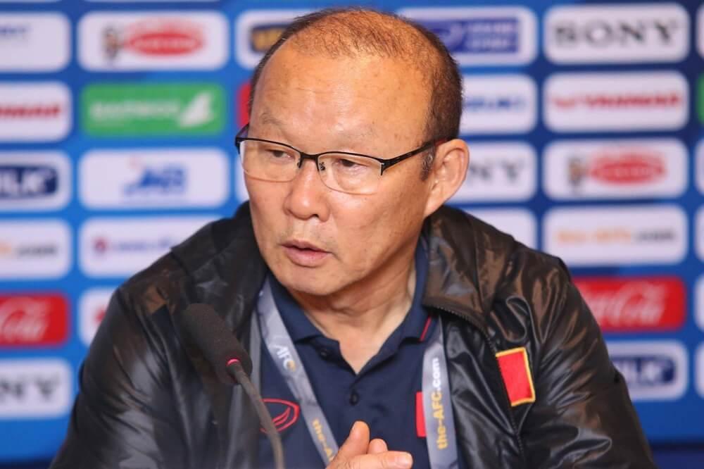"""HLV Park Hang-seo – """"Thầy phù thủy"""" của bóng đá Việt Nam"""