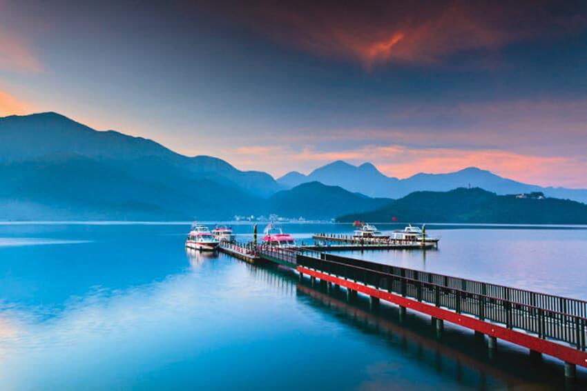 Hồ Nhật Nguyệt là hồ nước tự nhiên lớn nhất Đài Loan