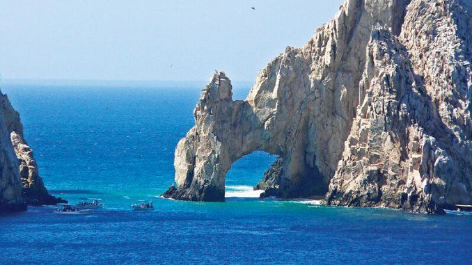 Cổng vòm đá Cabo San Lucas