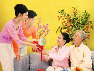 chọn quà tết cho gia đình